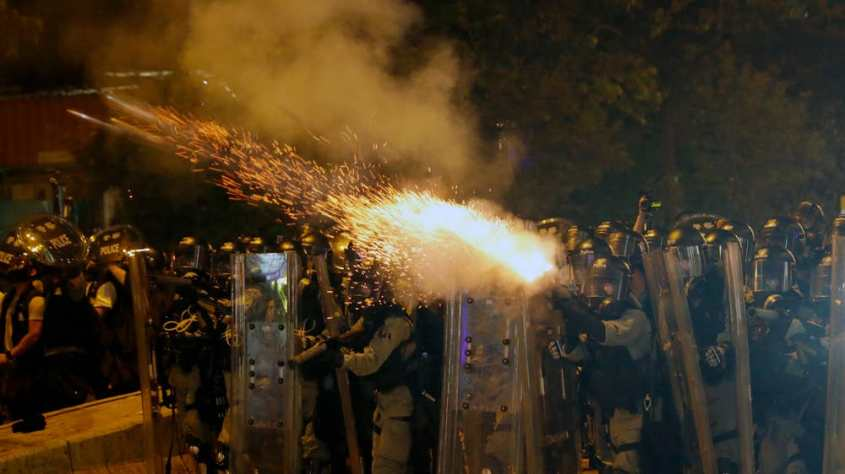 hong-kong-tear-gas-12